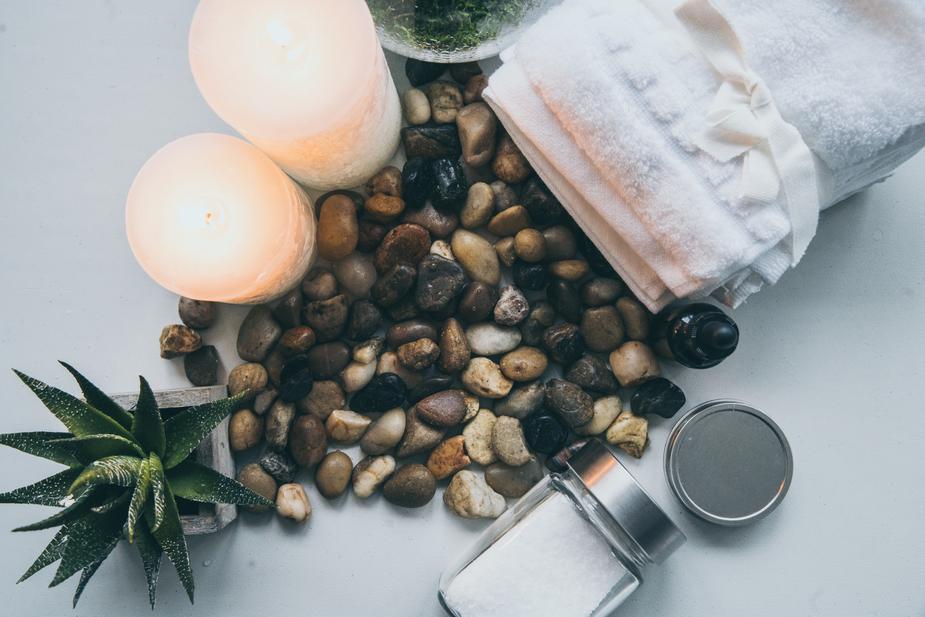 spa-supplies-and-decor_925x